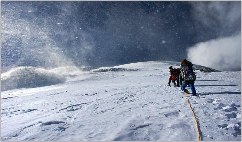 горы, памир, киргизстан, пик спартак Всё впередиphoto preview