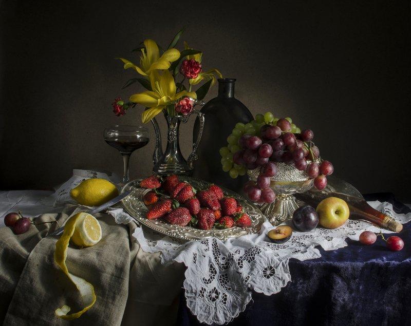 Клубничное виноphoto preview