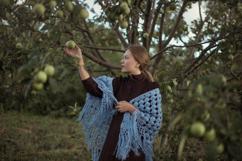 девушка деревня яблоки лето ностальгия ретро Ностальгияphoto preview