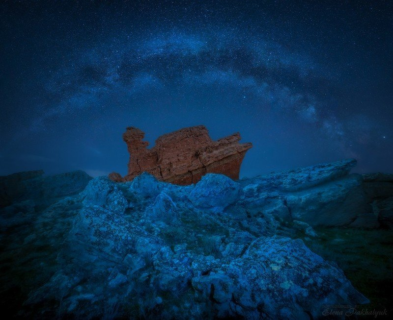 ночь,казахстан,мангистау,звезды,млечный путь,пейзаж,корабль,природа,фототур,астротур Один в каменных льдахphoto preview