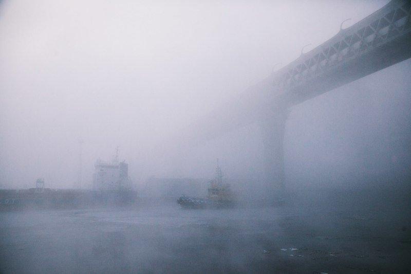 мост, корабль, туман Мост в зимнем туманеphoto preview