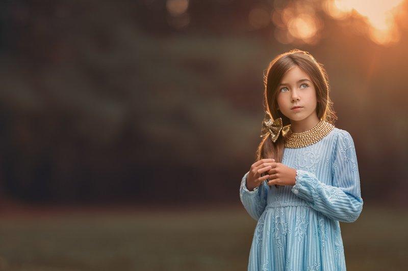 children, child Golden.photo preview