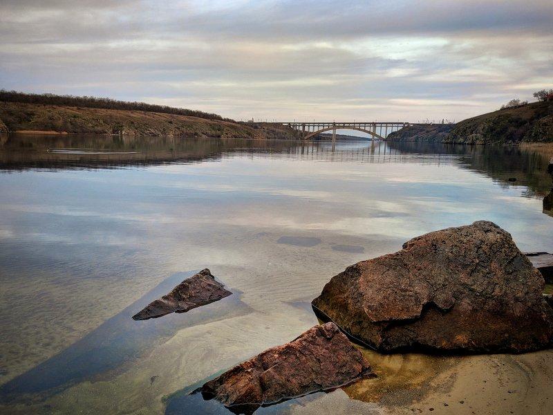 пейзаж,река,отражение,берег,хортица,вода,landscape,камни,скалы,релакс,тишина,весна Тихий вечерphoto preview