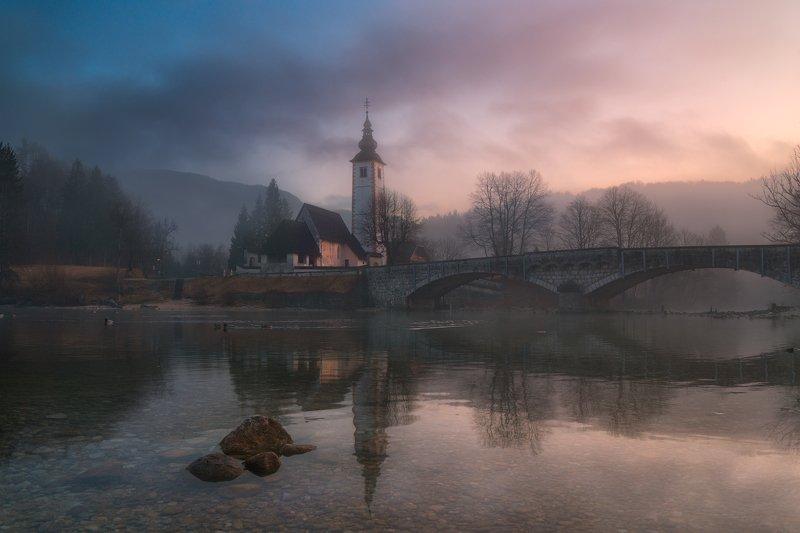 утро, рассвет, туман отражения, церковь, словения, мост Утро туманноеphoto preview