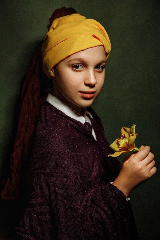 портрет, portrait Мальчик с яблокомphoto preview
