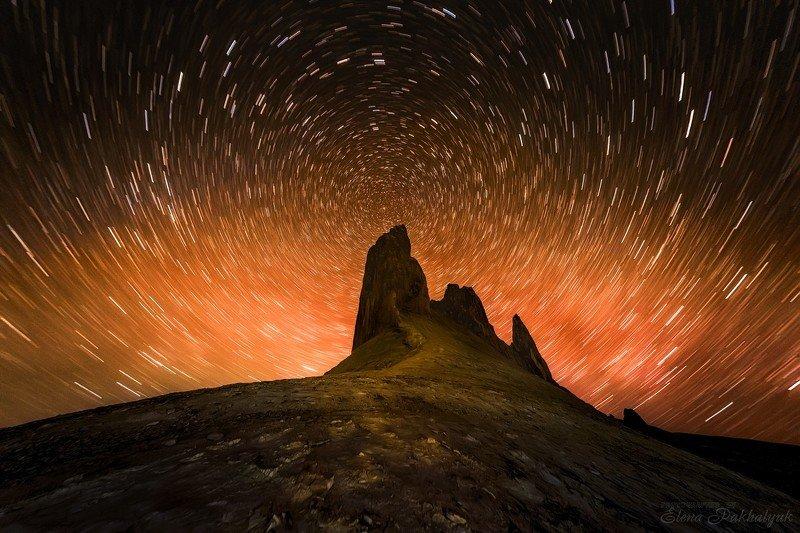 природа,пейзаж,ночь,звезды,треки,рассвет,казахстан,фототур,бозжира Золотая гораphoto preview