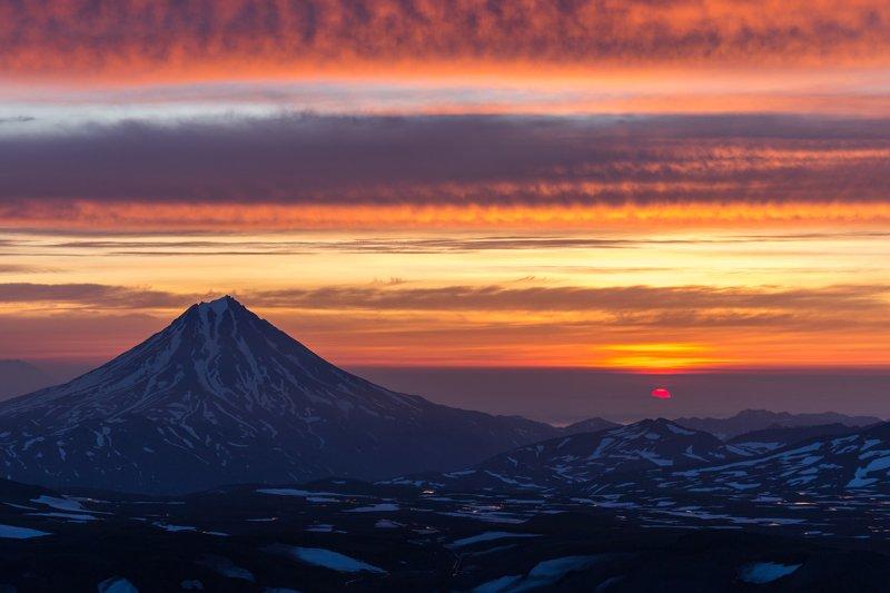 Камчатка, фототур, вулканы, путешествия, природа, рассвет Завулканьеphoto preview
