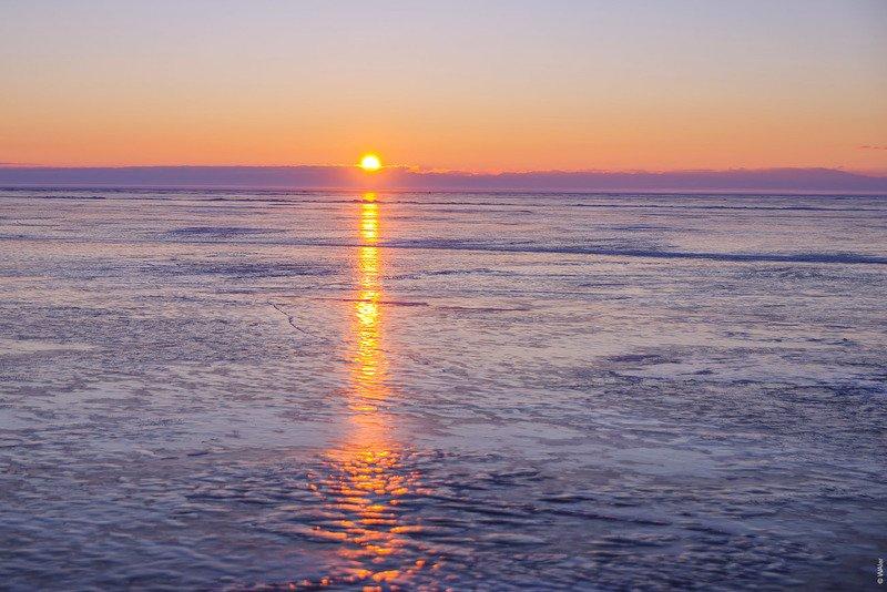 Байкал, рассвет, лед Рассвет на Байкалеphoto preview