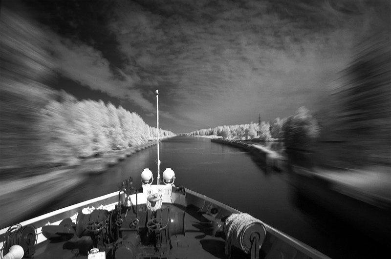 река, infrared, теплоход Ускорениеphoto preview