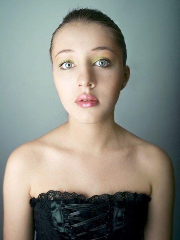 два глаза нос губы Алисаphoto preview