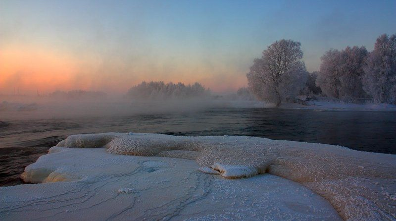 Замерзающая рекаphoto preview