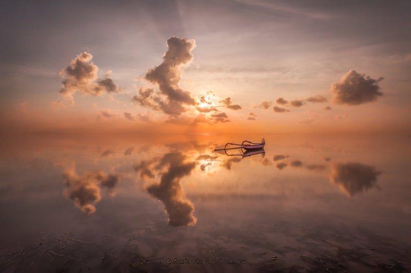 бали, санур, море, рассвет, отражение, лодка, солнце, глядь, безмятежность Балийская безмятежностьphoto preview