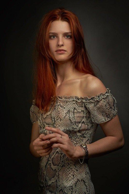 портрет рыжей девушки Марияphoto preview
