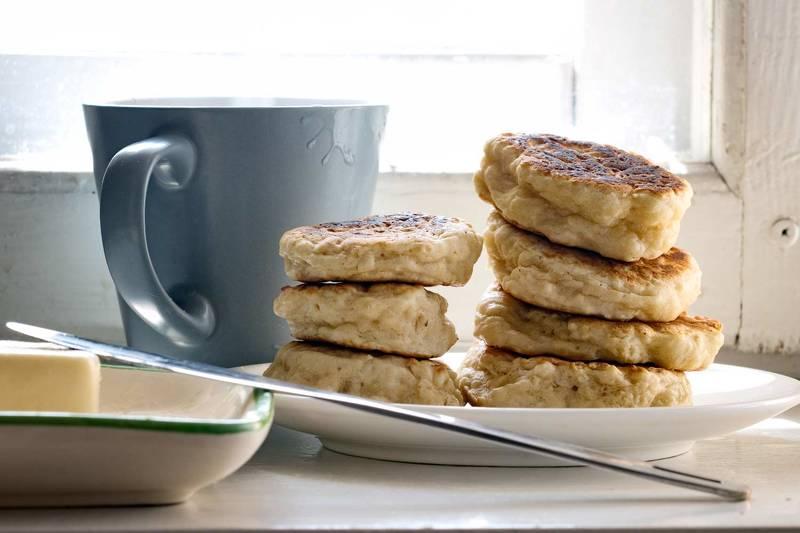 завтрак, блюдо, чашка, напиток, еда, оладушки, панкейки, масло, окно, кофе в чашке, кухня,  завтракphoto preview