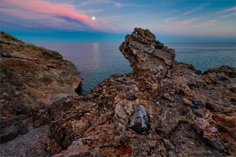 море, закат, скалы, луна, небо Шёпотphoto preview