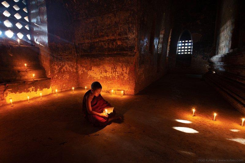 монах, мьянма, бирма, баган, храм, пагода, pagoda, temple, monk, myanmar, burma Монахphoto preview
