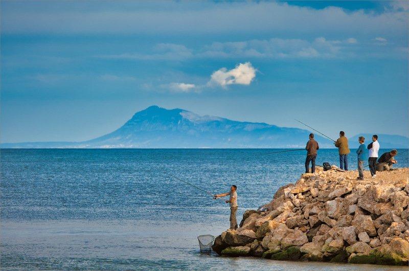 море, пейзаж, волны, вода, небо, облака, рыбалка, люди Воскресная рыбалкаphoto preview