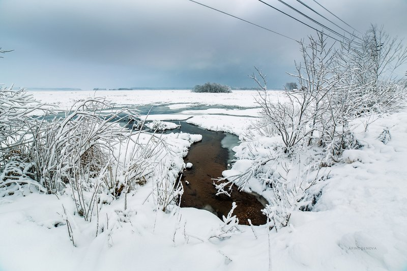 зима снег река остров Прошлогодний снегphoto preview