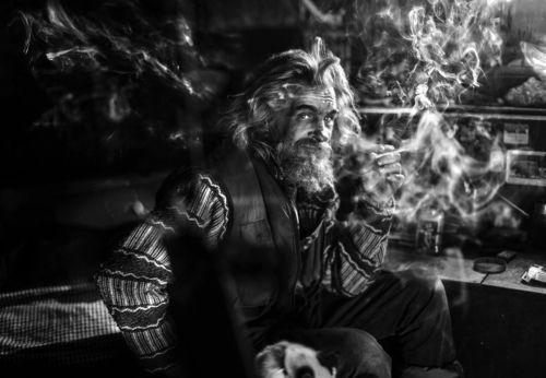 Серёга-Анархист в дыму своих сбывшихся и несбывшихся вселенных