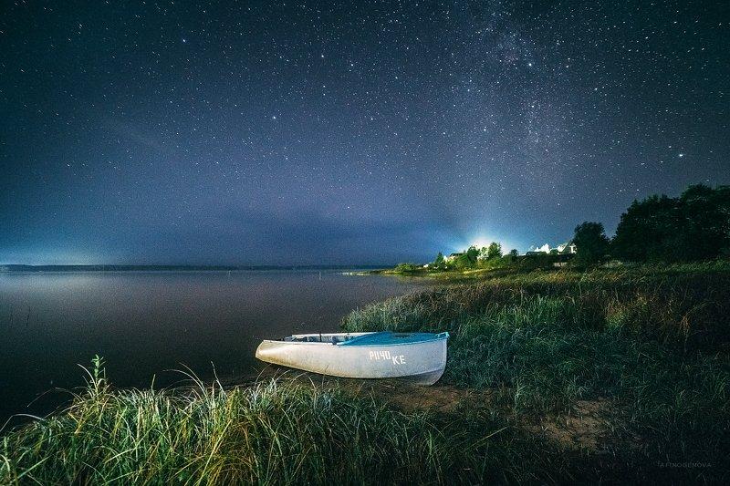 ночь звезды лодка берег Ночь над Волгойphoto preview