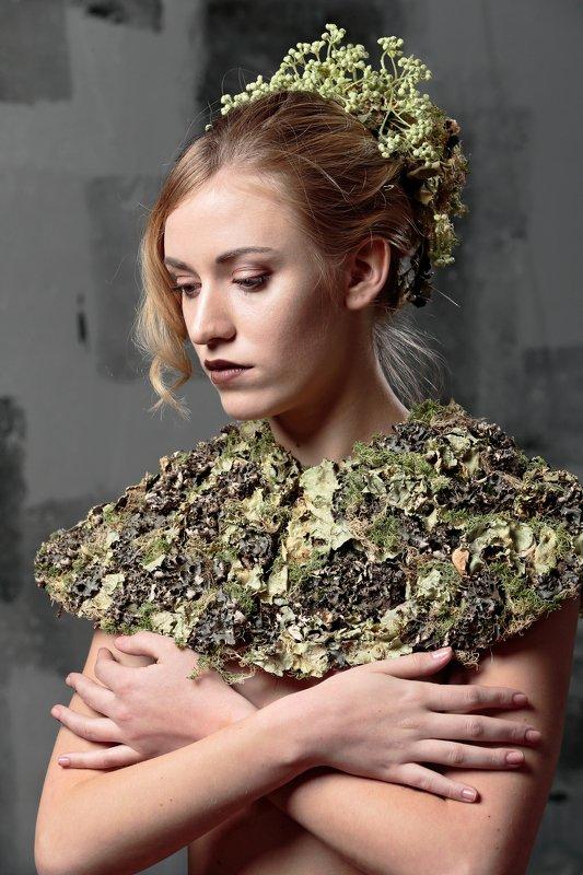 флористика, портрет, цветы, люди образы эпохи Воротникphoto preview