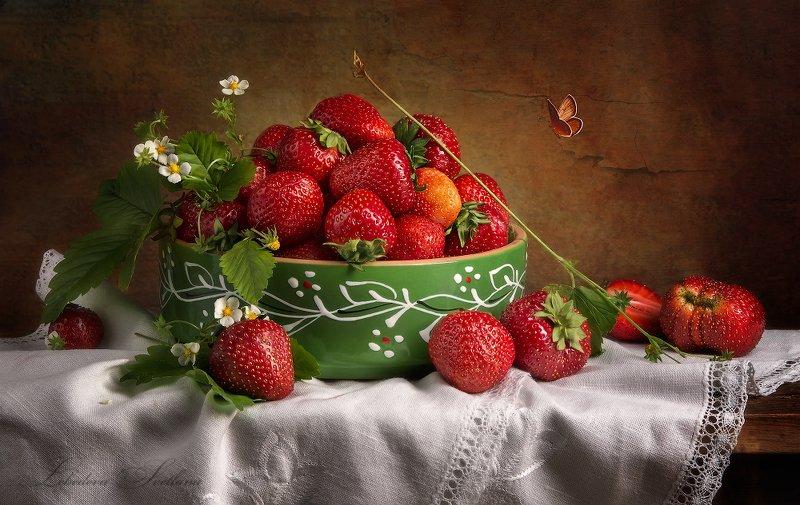 клубника,ягода,натюрморт С клубникойphoto preview