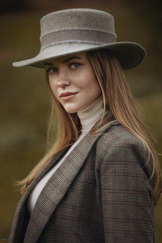 портрет, модель, шляпа, осень Лизаphoto preview
