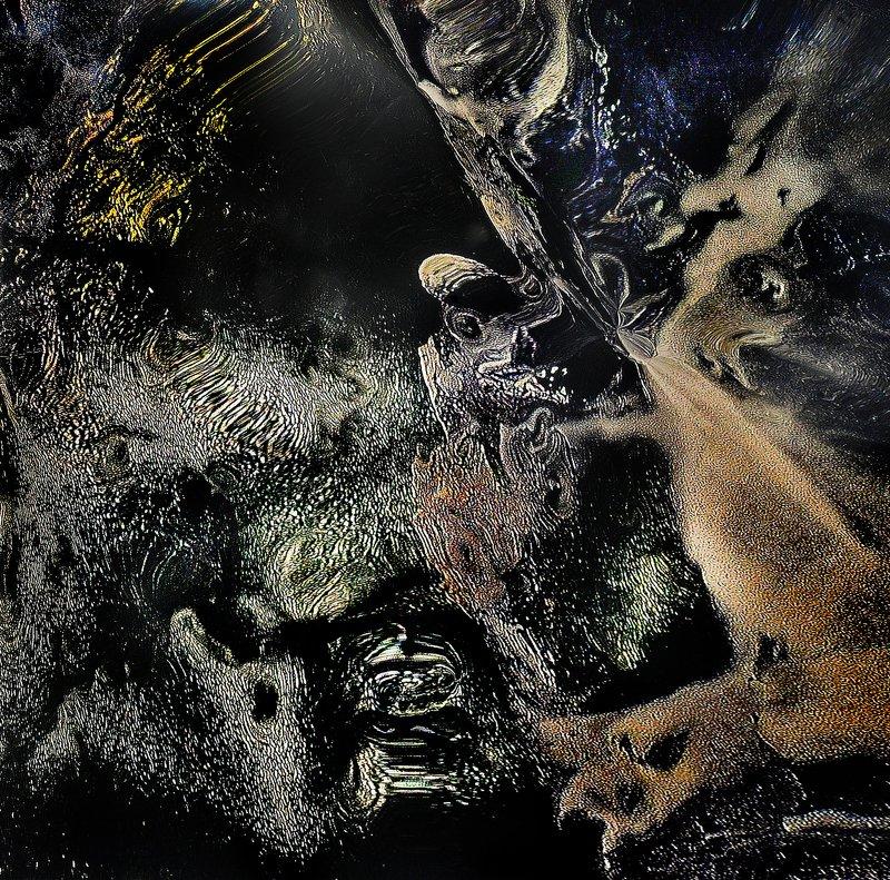 Мадонна с ребенком и демоны!photo preview