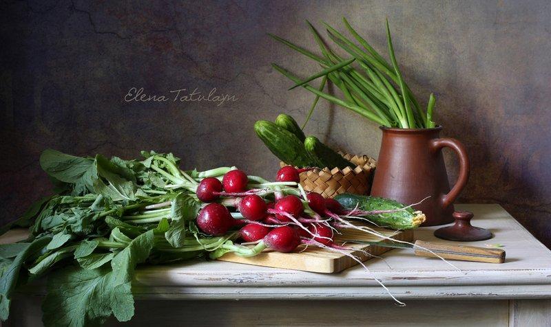 редиска, овощи, лук, огурцы, кухня С редискойphoto preview