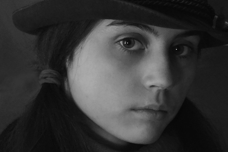 девушка, портрет, глаза, взгляд, волосы, чб, апатиты Окунуться в пучинуphoto preview