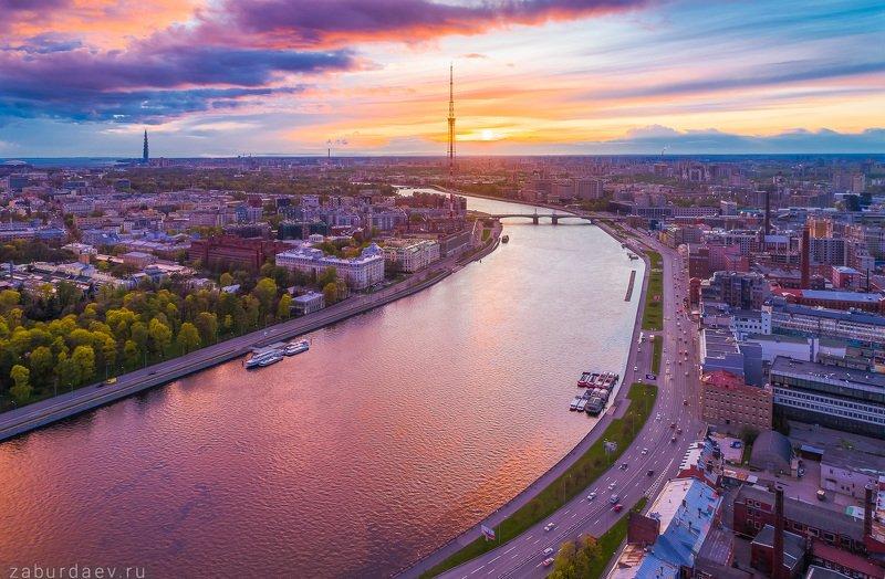 россия, петербург, город, река, вечер, весна, закат, дрон Перед дождем фото превью