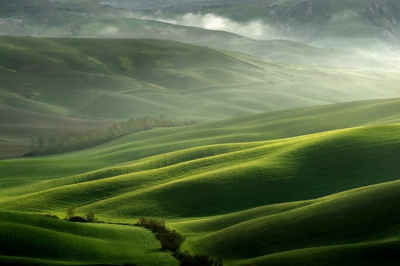 tuscany, тоскана, tuscany photos landscape, весенняя тоскана, пейзажи тосканы, green hills, tuscany landscape photography,  tuscany fields Tuscan lightphoto preview