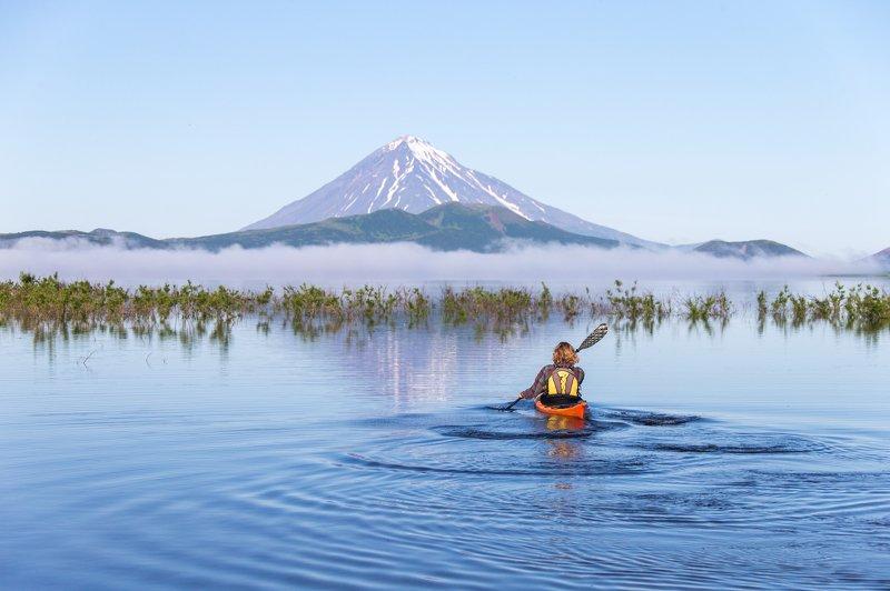 Камчатка, астрофототур, вулкан, туризм, озеро, каякинг Каякинг у подножия вулканаphoto preview