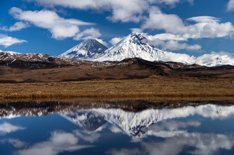 Камчатка, вулканы, астрофототур, туризм  Великаны в осеннем нарядеphoto preview