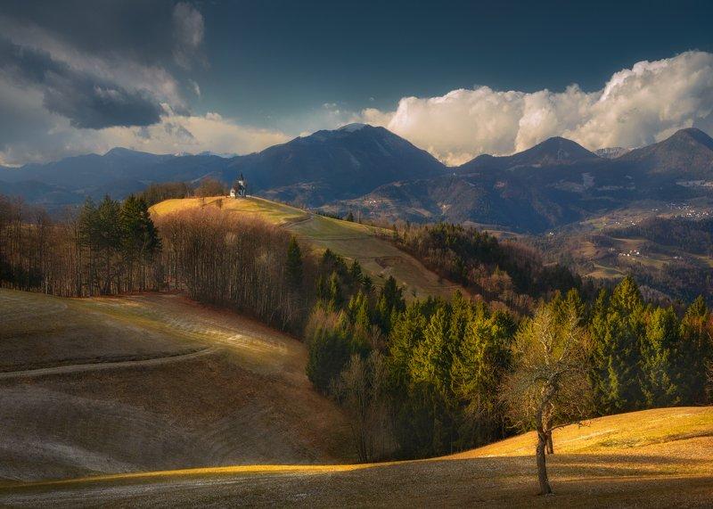 холмы, горы, церковь, небо, облака, поля, лес За холмами, за долами...photo preview