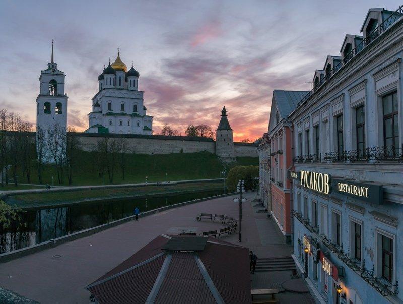 pskov, pleskau, псков, кром, кремль, landscape, pskovregion, krom, kremlin, вечер, закат, река, реки Золотая набережнаяphoto preview