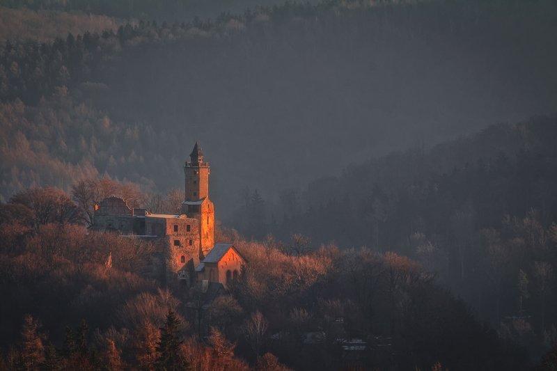 autumn,mountains,canon,sunrise,castle The Light of the Past фото превью