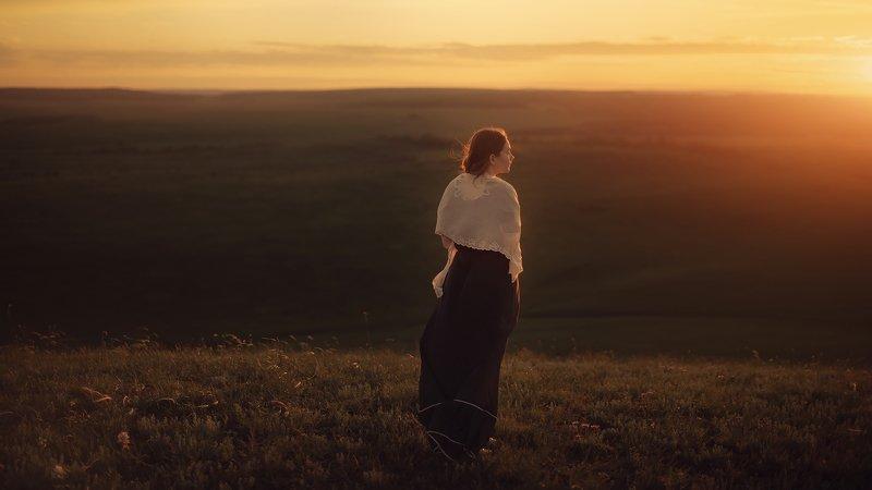 девушка, ветер, закат, природа, лето Закатphoto preview