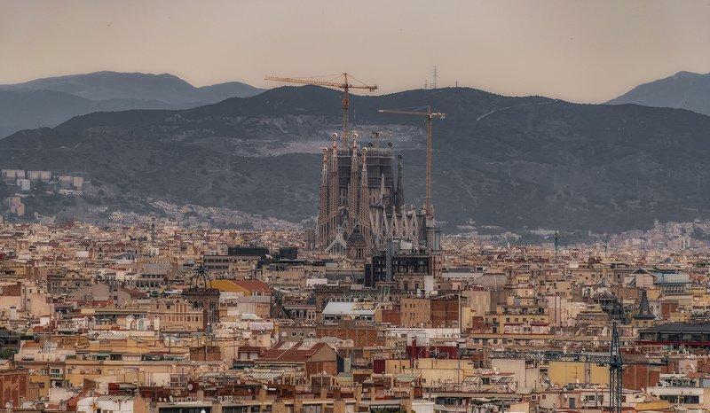 барселона, barcelona Temple Expiatori de la Sagrada Famíliaphoto preview