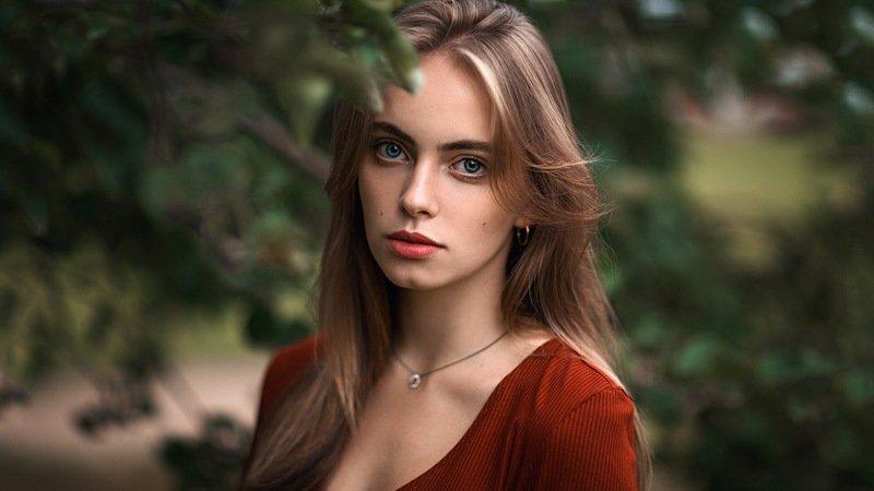 девушка, портрет, зелёный Дашаphoto preview