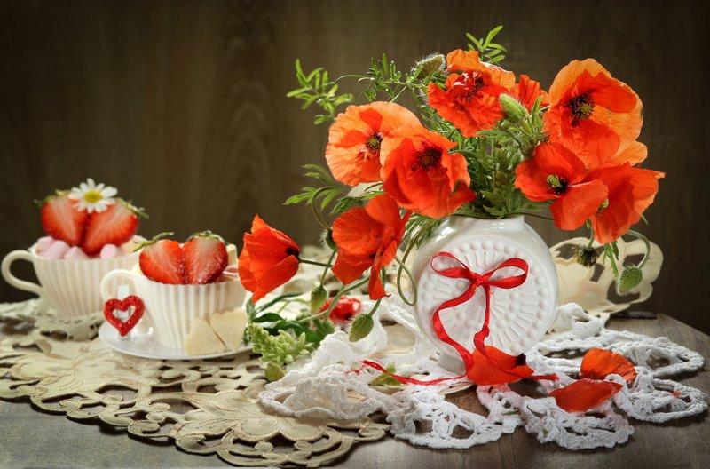 цветы, ваза, маки, клубника Макиphoto preview