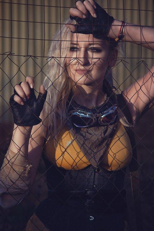 постапокалипсис портрет девушка блондинка лицо Светаphoto preview