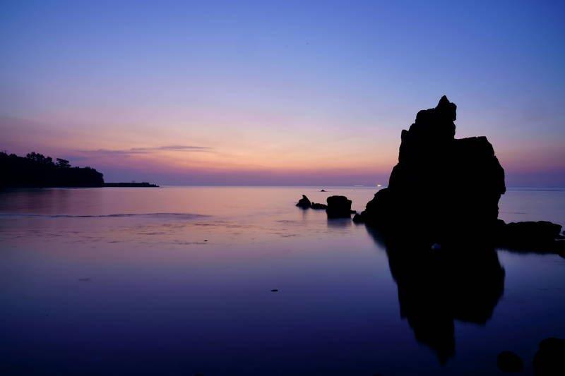 south korea, gyeongsangbukdo,sunrise,dawn,sea,seascape,horizontal,sunlight,clouds,rocky, island, silhouette, Rocky islandsphoto preview