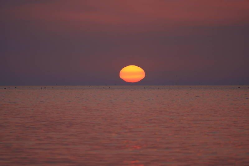 south korea,gyeongsangbukdo,pohang,sunrise,sea,seascape,sun,horizontal,sunlight,cloud,meditation Meditationphoto preview