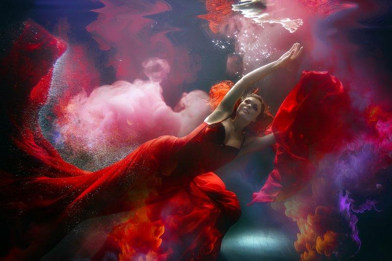 underwaterphoto, underwater, underwaterfineart, фотоарт, подводные съемки, подводная фотосессия,  под водой, красное платье, женщина в красном, photoarts, magic Женщина в красномphoto preview
