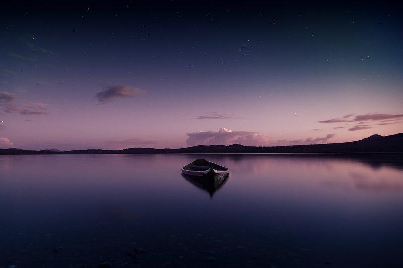 Зюраткуль, Урал, озеро, лодка, закат Безмятежностьphoto preview