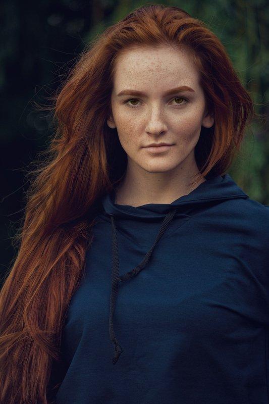рыжая портрет лицо веснушки Портрет Яныphoto preview
