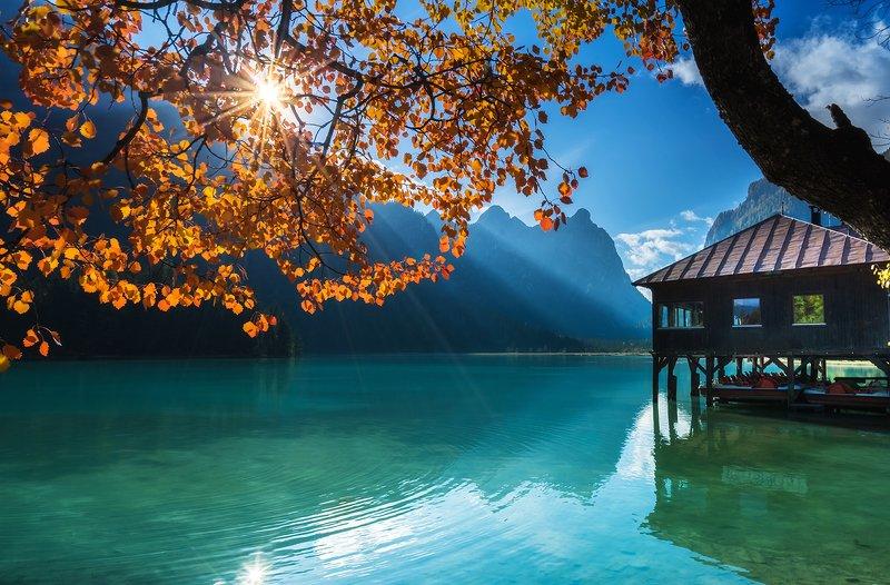 Озеро Доббиачо в Доломитах, Италияphoto preview