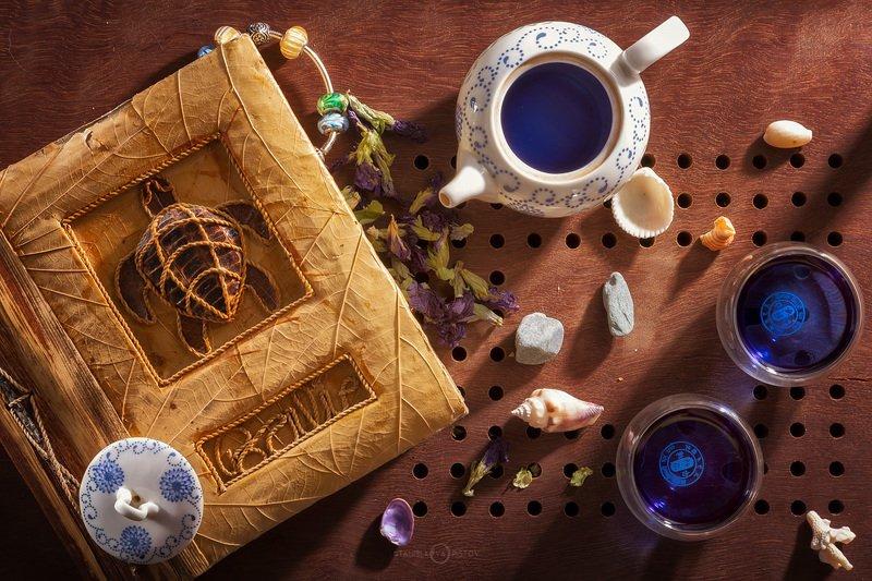 Натюрморт с синим чаемphoto preview