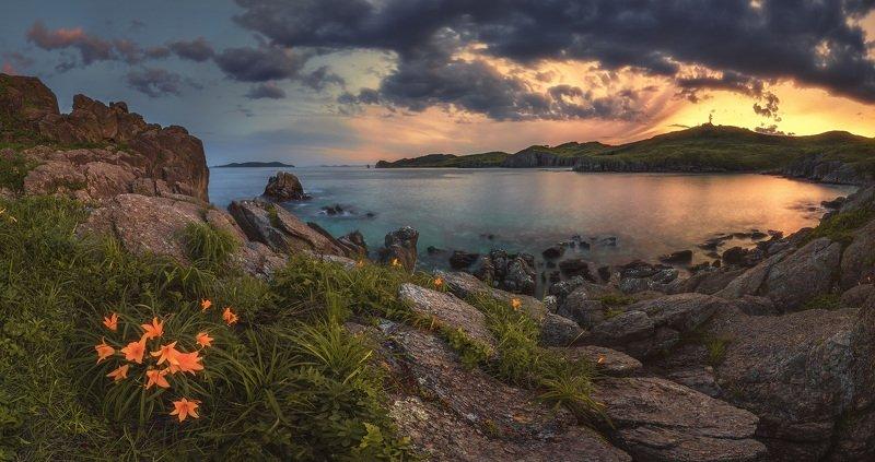 панорама, море, скалы, лилии Морская колыбель.photo preview